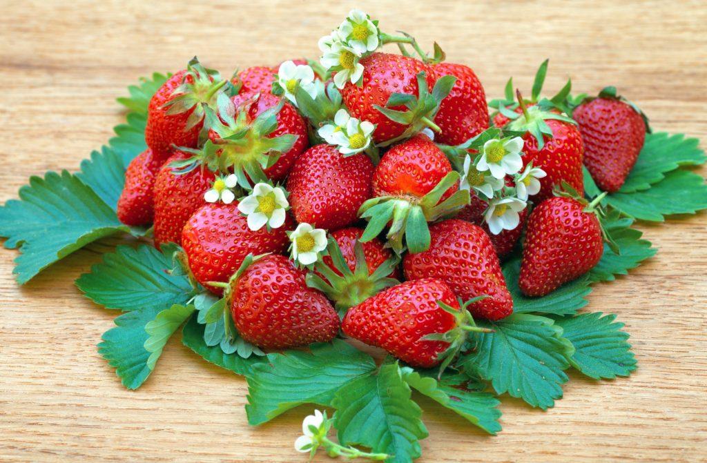 Strawberry Pink Chia Pudding