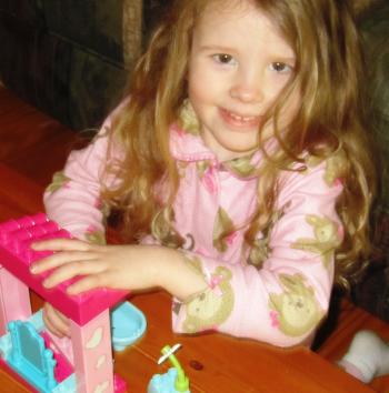 Lucy & Her Dora Playset
