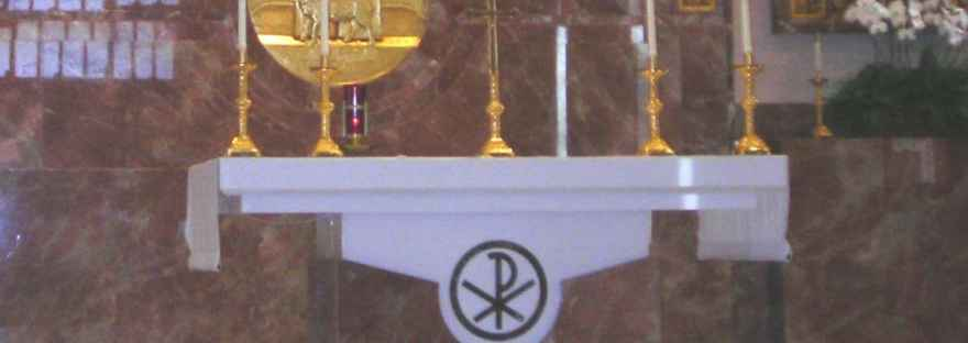 Share the faith with our children. Ask the, what did you like about Mass today? Image of an altar at a Catholic Church.