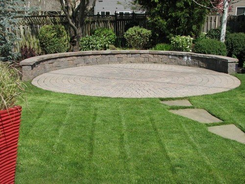 circular pavers with seating wall