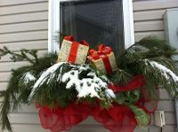 20 Easy Holiday Window Box Ideas - Page 16 of 22 - Bless ...