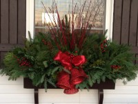 20 Easy Holiday Window Box Ideas