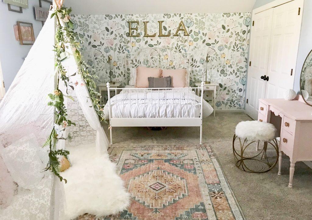 little girl's room bedroom