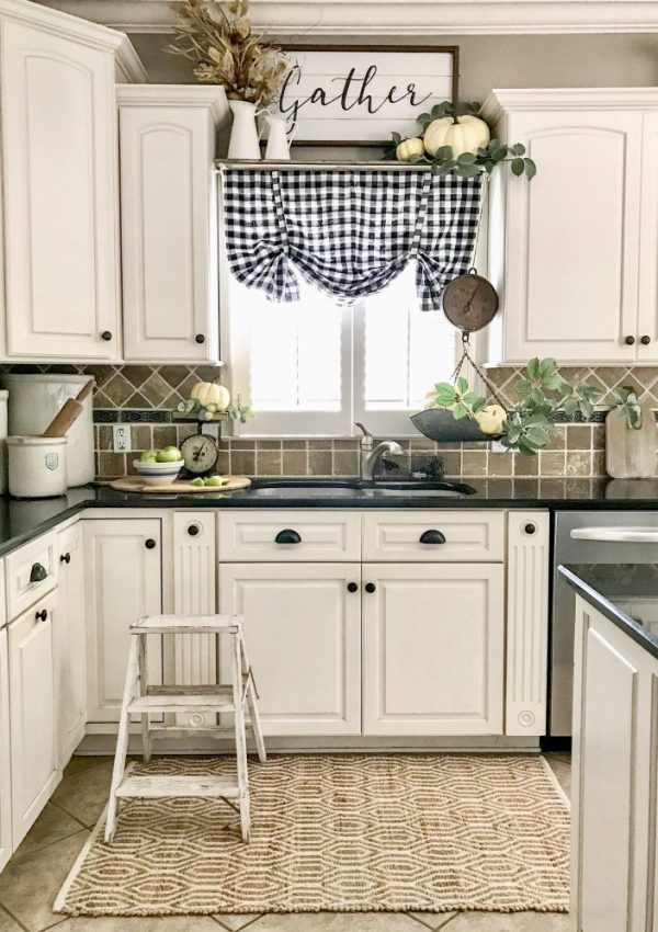 Fabulous Fall Blog Hop- Kitchen Tour
