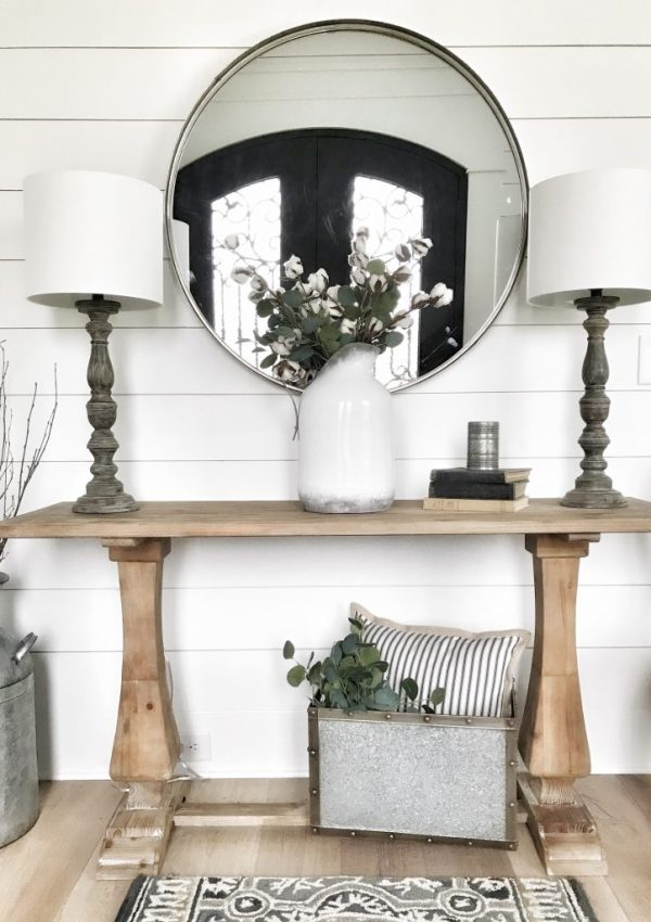 5 Different Ways To Style An Entryway