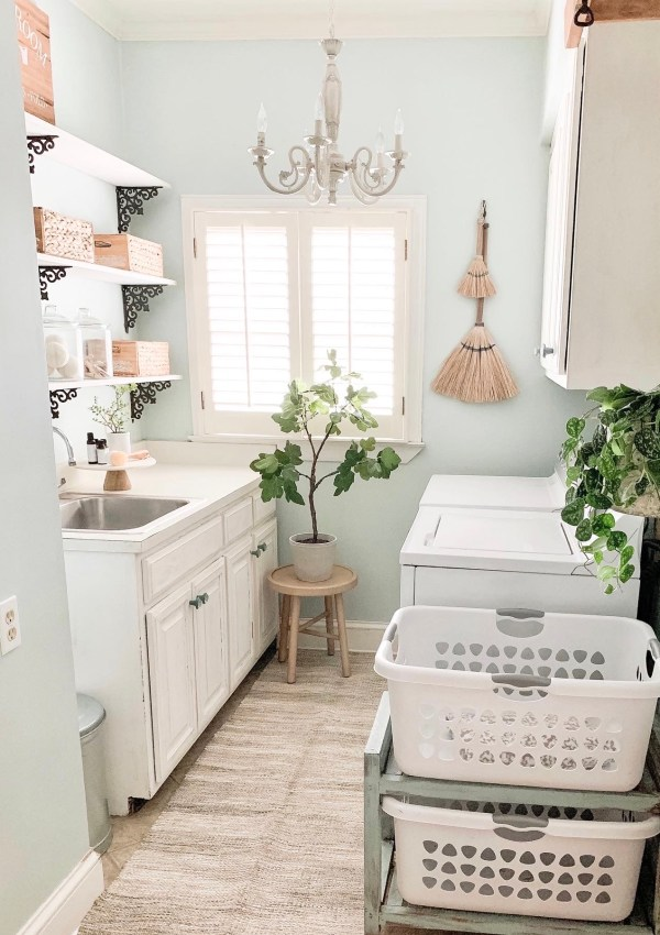 6 Budget Friendly Ways To Update Your Dated Laundry Room