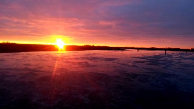 ijsbaan_bij_zonsondergang_20170205_1840956515