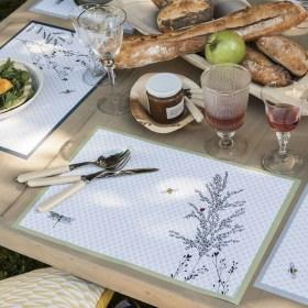 """Sets de table en papier recyclé imprimé d'encres végétales, modèle """"JARDIN DES PLANTES"""" de chez Alexandre Turpault, composé de 4 dessins différents aux motifs bucoliques"""