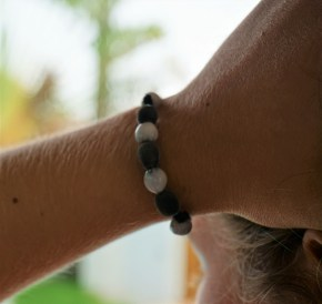 mon bracelet en graines de Trésors Nature