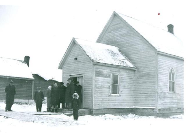 NP149-01-0674 Blaine Lake church1940's_crop