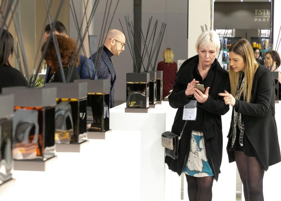 Dank der Zusammenarbeit mit Poli.Design bietet die Ausstellung einen privilegierten Blick auf die Trends der kommenden Jahre.