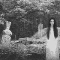 Gruselgeschichten... Das Mädchen auf dem Friedhof...