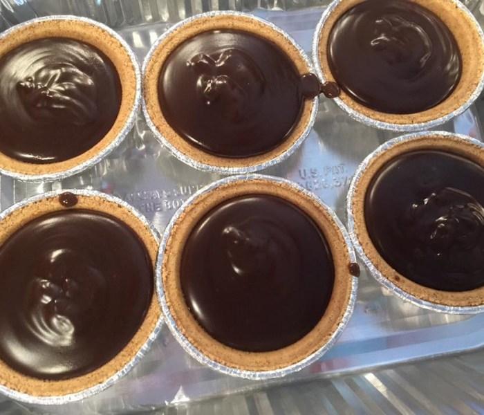 Chocolate Graham Cracker Pudding Tarts