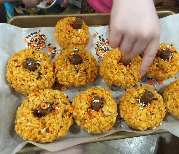 Halloween Pumpkin Shaped Rice Krispies Treats