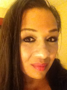 Mally Beauty Evercolor Starlight Waterproof Eyeliner in midnight product review Tracey Brown for Blinging Beauty