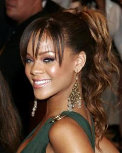 ponytail-hairstyles-for-long-curly-hair rihanna