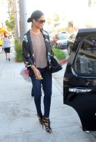 kimora_lee_simmons_wearing jeans