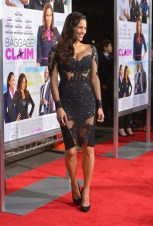 Paula Patton attends the premiere of Fox Searchlight Pictures' 'Baggage Claim'