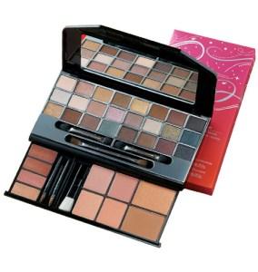 Avon Pretty in neutrals palette