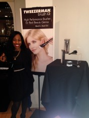 Tweezerman brush iq event