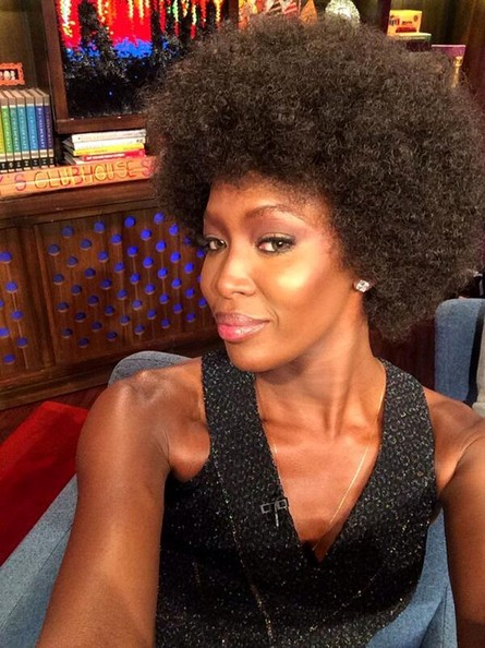 Naomi Campbell Guess what happens live march 4, 2014 afro wig