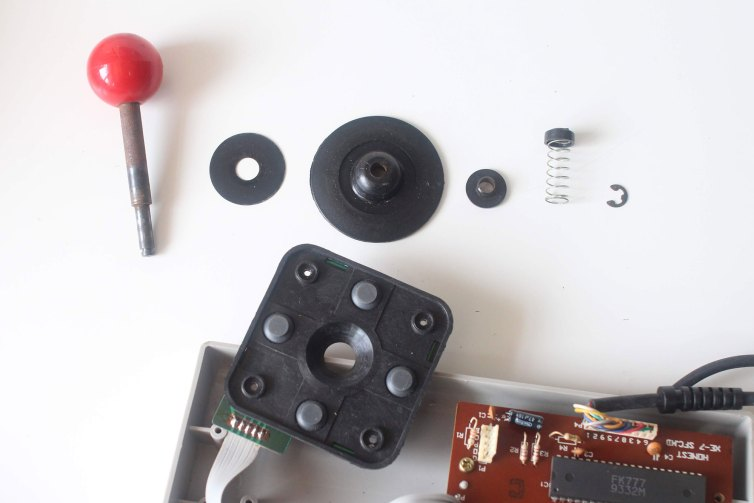 Honest XE-7 joystick explosion and conductive pads
