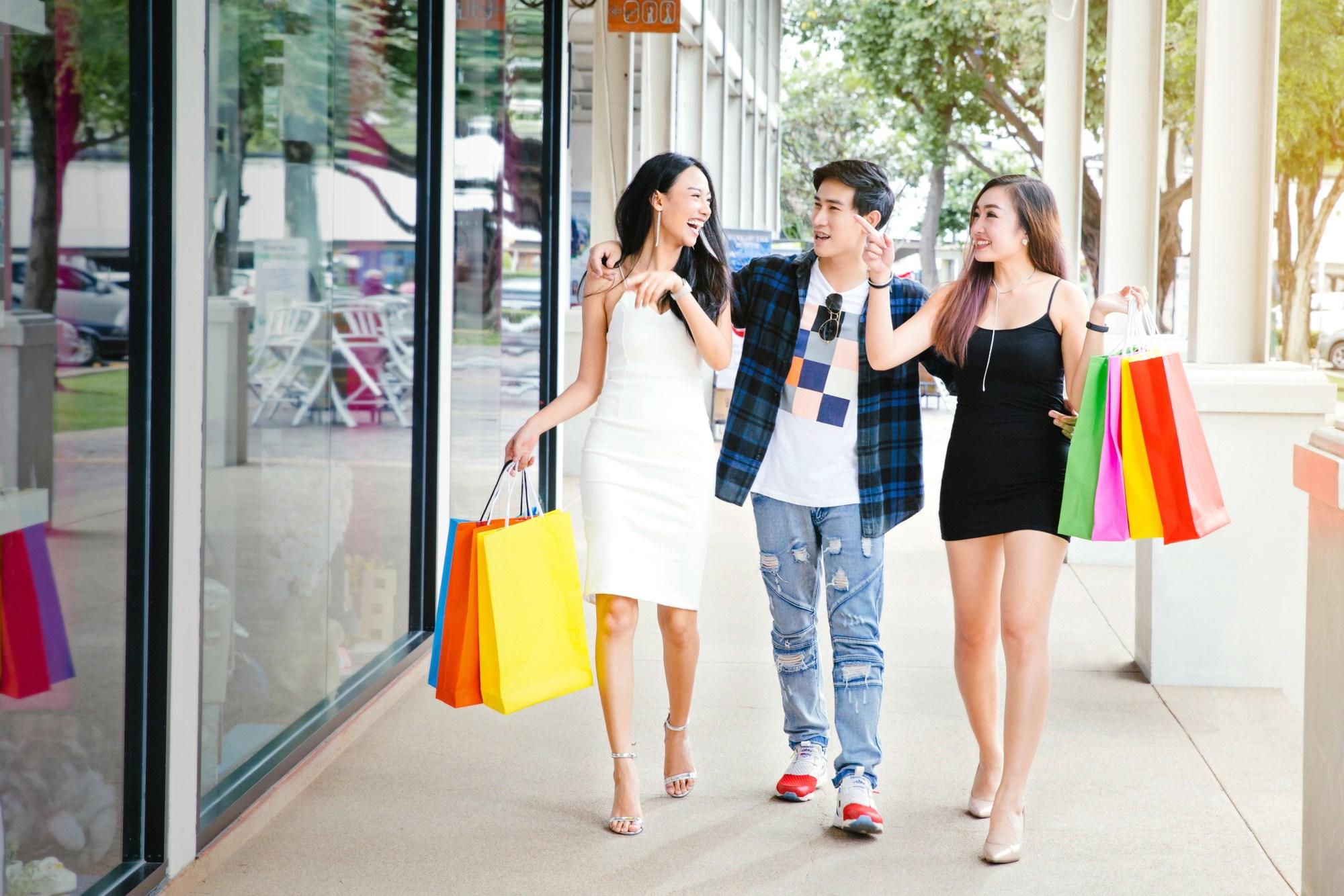young-asian-friends-walking
