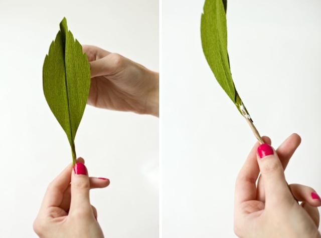 DIY ดอกกุหลาบขนาดยักษ์จากกระดาษย่น 14 - rose