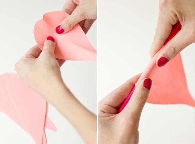DIY GiantCrepePaperRoses 2 DIY ดอกกุหลาบขนาดยักษ์จากกระดาษย่น