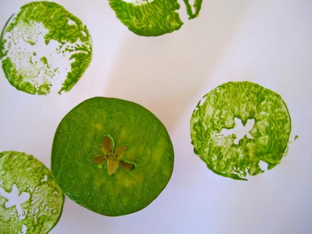 Tips 10fruit and veggie prints 4 5 ไอเดียนำผักผลไม้มาใช้เป็นแม่พิมพ์