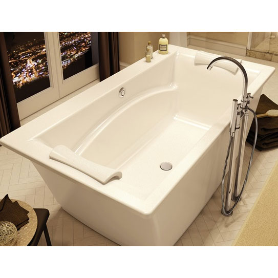 Maax Optik F 6636 Freestanding Bathtub
