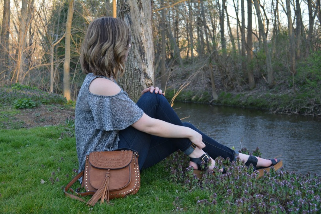 Spring 2016 Trends- This spring 2016, it seems as if we are all seeing fringe, platform shoes, and studded bags. Check out how I styled these spring trends!