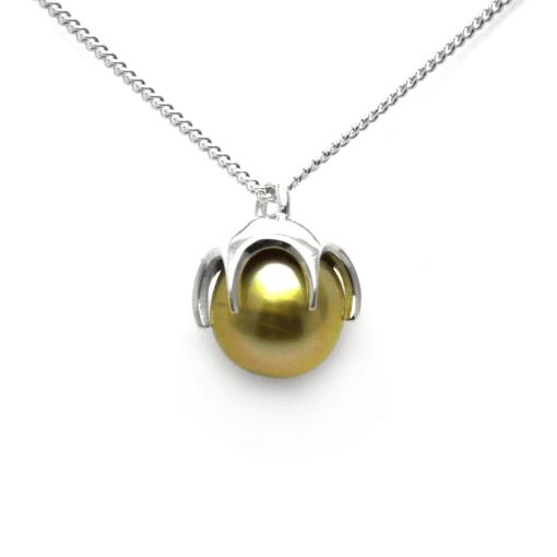 Golden Fiji pearl pendant in Sterling Silver