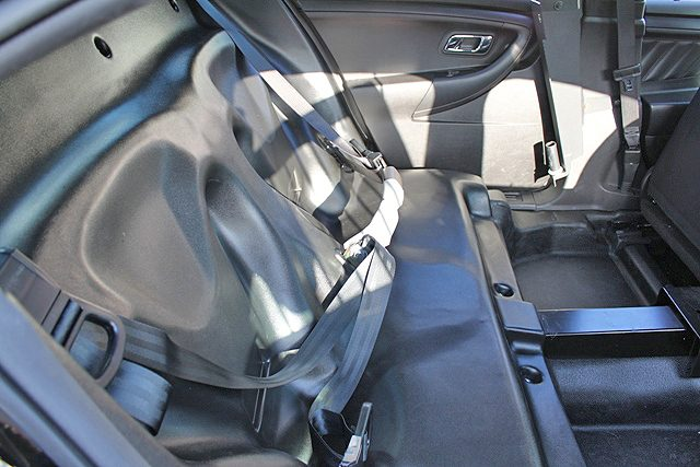 compartimento_de_transporte_presos_viatura_sedan