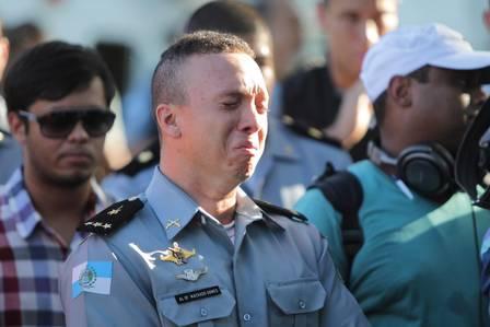 Policial chora