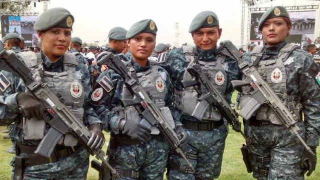 gendarmes_armados