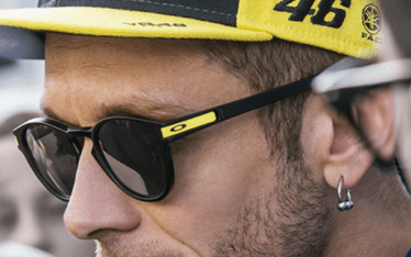 blitz-for-eyes-centri-ottici-in-ticino-valentino-rossi-occhiali-oakley-latch