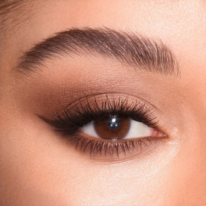 Smokey Eye Trend: Charlotte Tilbury creates a soft, dreamy eye look with natural colours