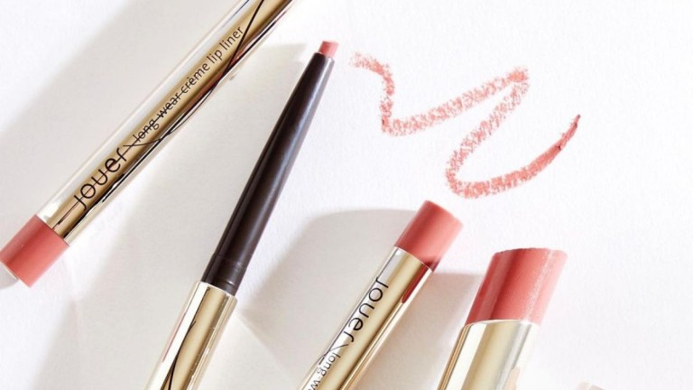 Pout Perfecting Lipstick Kits for Spring (And Beyond)