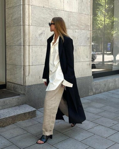 The Summer Sandals To Buy in 2021: Ellen Claesson wearing the Luisa Heeled Mules by Vagabond