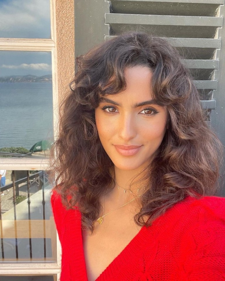 The Lob Hairstyle (Curly Hair): Juny Breeze - Gorgeous Short Hairstyle Ideas For 2021