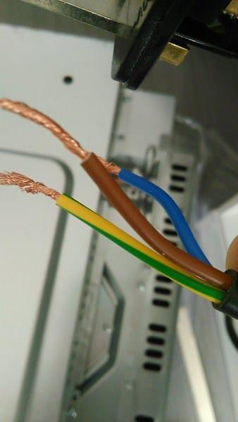 Duda conexin vitro y horno clavija 25A  Electricidad del