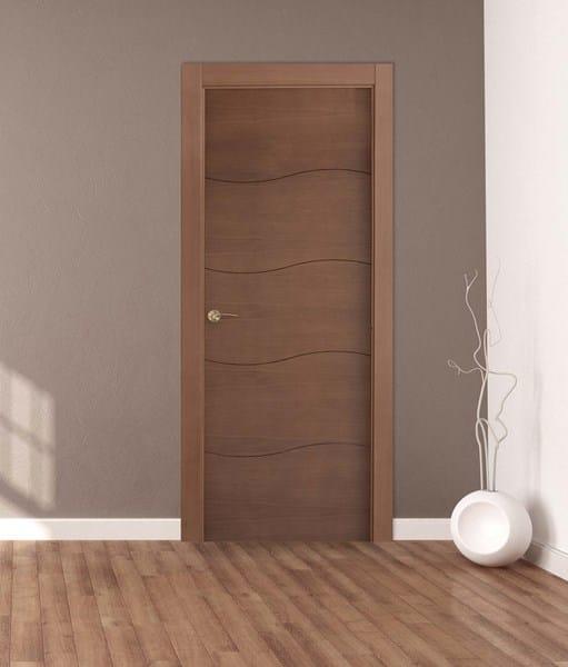 Puertas roble suelo laminado roble Rodapis blanco