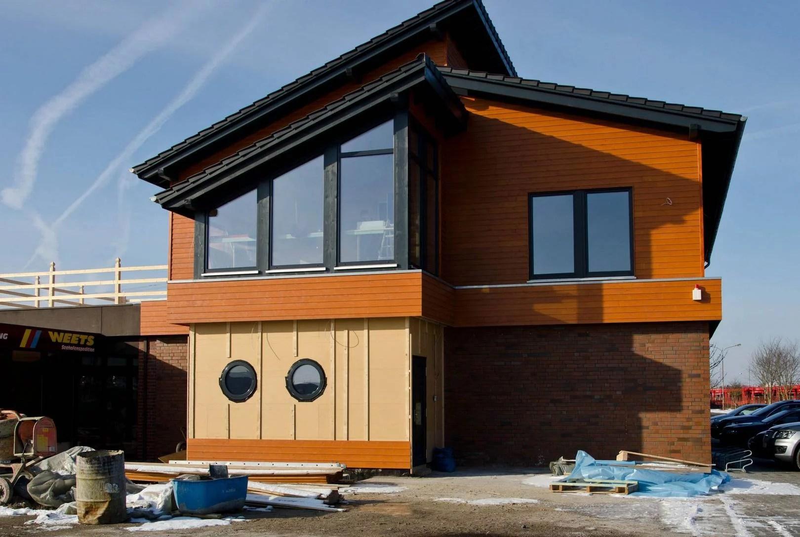 Haus Aufstocken  Gebäudeaufstockung