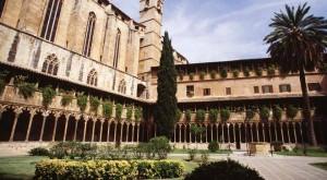 Clastra i església dels franciscans, objecte de represàlies borbòniques