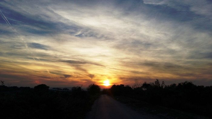 Posta de sol a La Conarda de Bétera (Camp de Túria) el dia de Tots Sants (01/11/2016, 17:45 h).