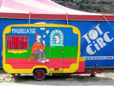 Famílies amb trigèmins es reuneixen en un circ de l'Anoia