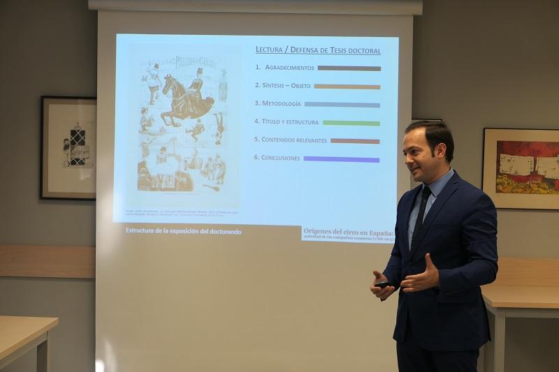 Genís Matabosch llegeix la tesi doctoral i Merche Ochoa trasllada l'escola a La Sagrera
