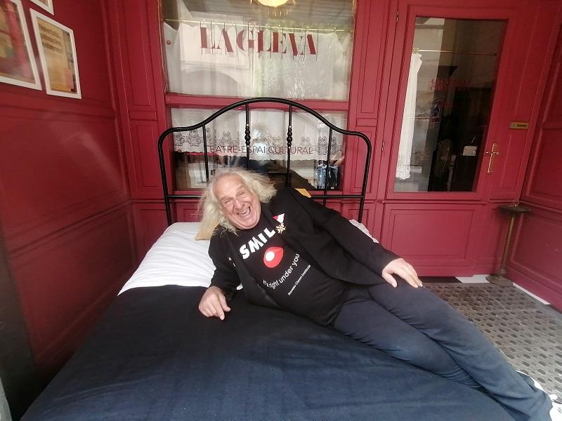 Jango Edwards prorroga tres dies al teatre La Gleva de Barcelona