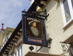 english-pub-sign-1492214-640x480